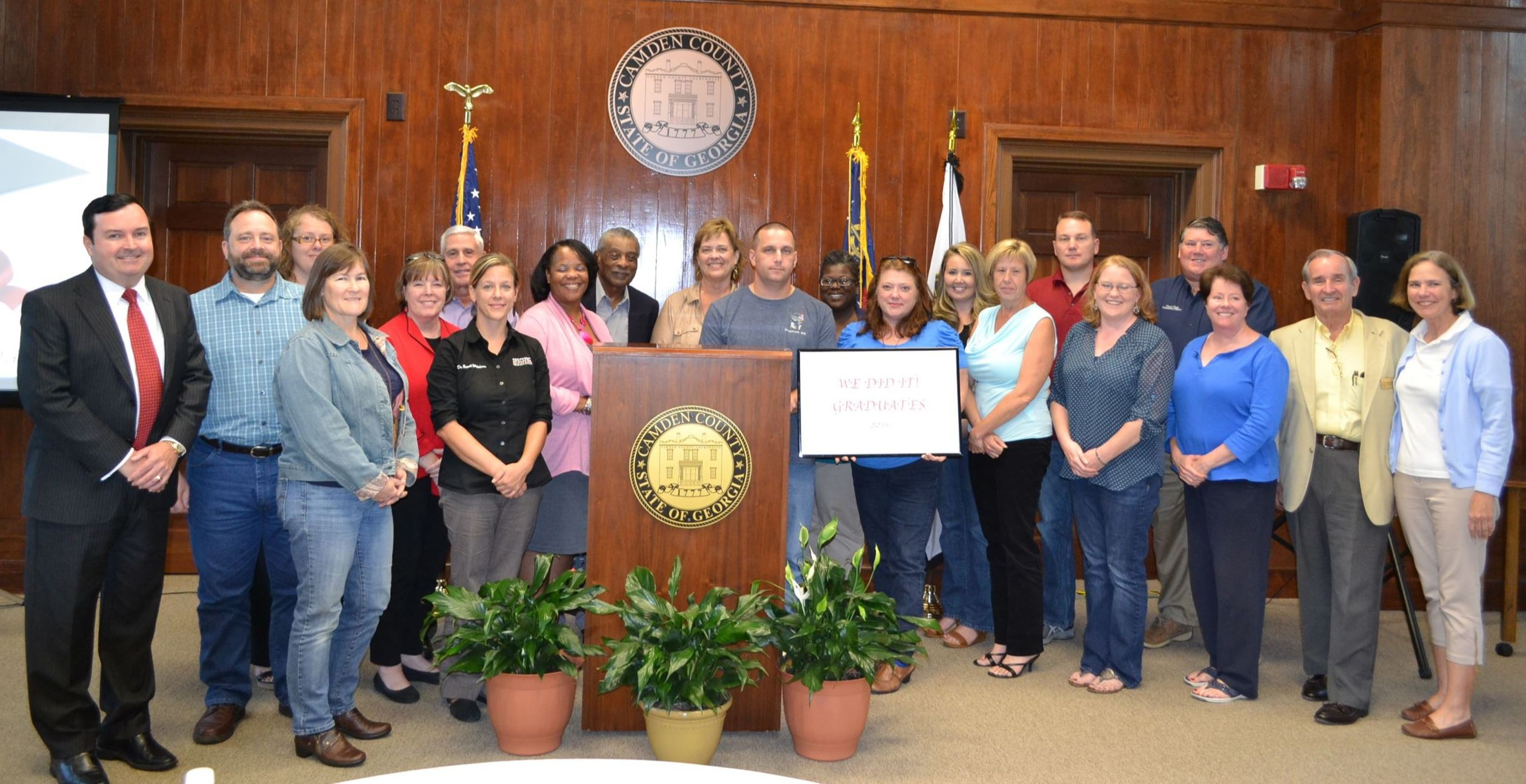 Fall 2015 Citizens Class Participants posing with sign